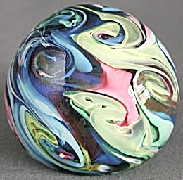 Vintage Swirl Art Glass Paperweight (Image1)