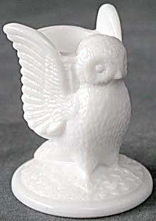 Westmoreland Milk Glass Owl Toothpick Holder (Image1)