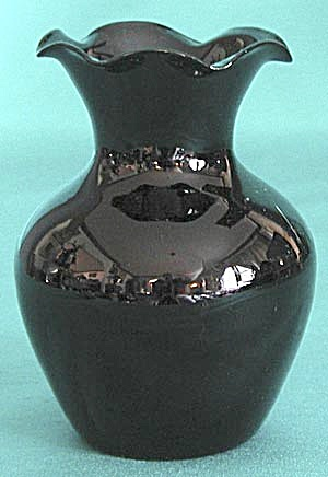 Vintage Black Amethyst Glass Ruffle Edged Vase (Image1)