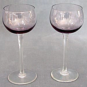 Pair of Purple Wine Glasses (Image1)