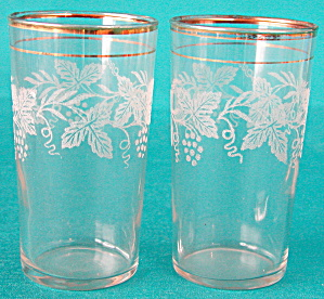 Vintage Raised Grape & Vine Design Drinking Glasses