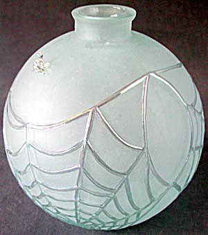 Large Glass Web Vase with Spider (Image1)