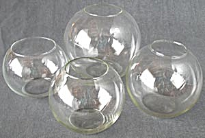 Vintage  Glass Rose Bowls Set of 4 (Image1)