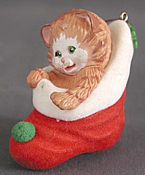 Stocking Kitten Hallmark Ornament (Image1)