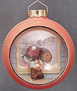 Holiday Friendship Hallmark Ornament (Image1)