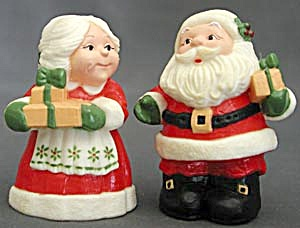 Hallmark Santa & Mrs. Salt & Pepper Shakers 3 1/4""