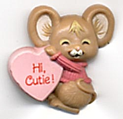 Hallmark Valentine's Day Mouse & Heart Pin (Image1)