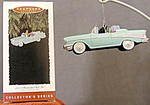 Hallmark 1957 Chevy Convertible Christmas Ornament (Image1)