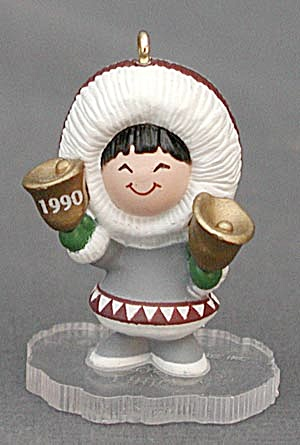 Hallmark Miniature Ornament: Little Frosty Eskimo (Image1)