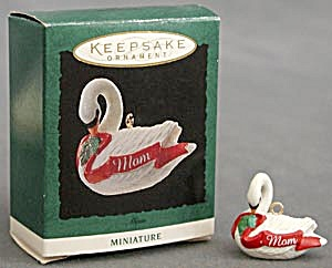 Hallmark Miniature Ornament: Mom Swan (Image1)