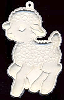 Hallmark Running Lamb Cookie Cutter (Image1)