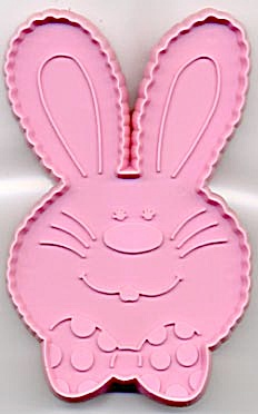 Hallmark Pink Barnaby Bunny with Bow Tie Cookie Cutter (Image1)