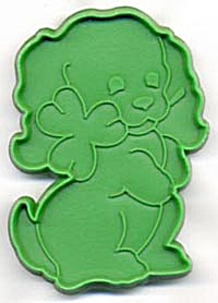 Hallmark Dog with Shamrock Cookie Cutter (Image1)