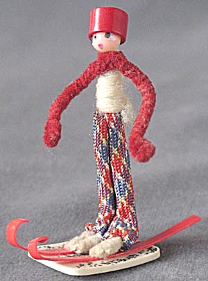 Vintage Pipe Cleaner Boy & Girl Skier