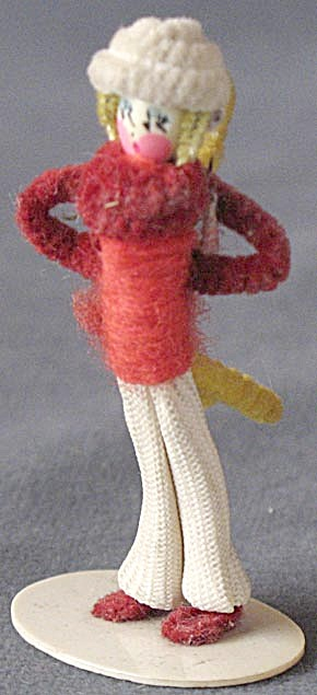 Vintage Pipe Cleaner Boy & Girl  (Image1)