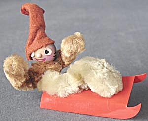 Vintage Pipe Cleaner  Sledder (Image1)