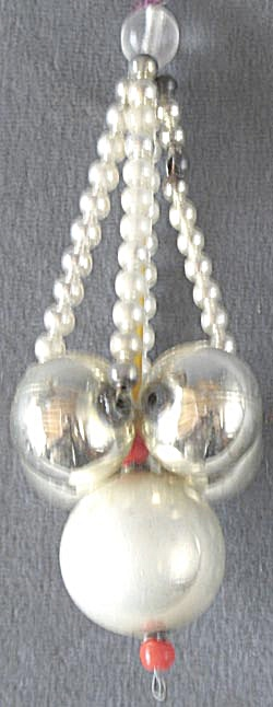 Vintage Chandelier Beaded Christmas Ornament (Image1)