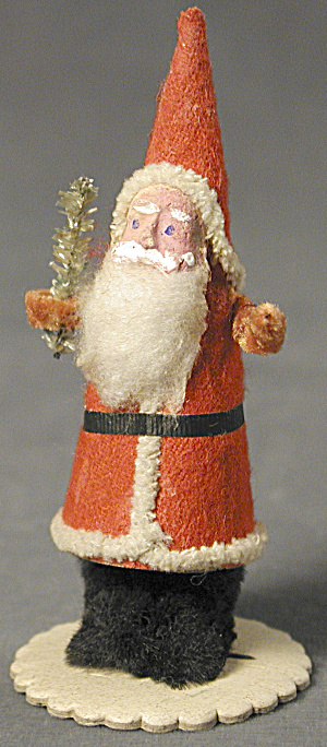 Santa Vintage on Scalloped Base (Image1)