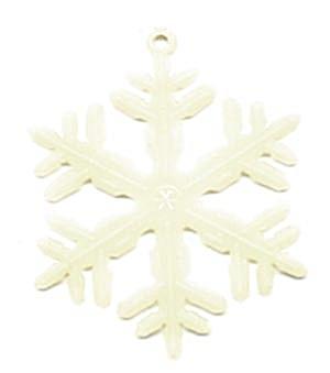 Vintage Glow in the Dark Plastic Snowflake Ornaments (Image1)