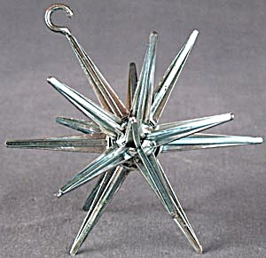 Vintage Plastic Star Christmas Ornament (Image1)