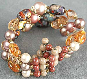 Vintage Shades of Orange Beaded Memory Bracelet (Image1)