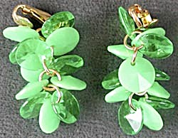 Vintage Green Plastic Drop Clip Earrings (Image1)