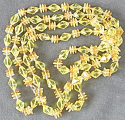 Vintage Plastic Necklace (Image1)