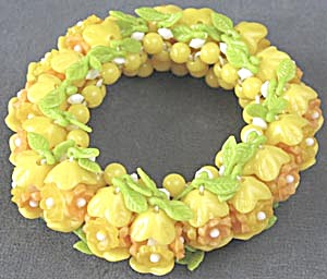 Plastic Flower Stretch Bracelet (Image1)