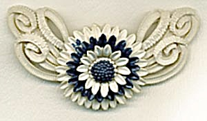 Vintage Navy  & White Plastic Flower Pin (Image1)