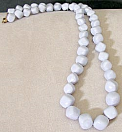 Vintage Light Periwinkle Plastic Necklace (Image1)