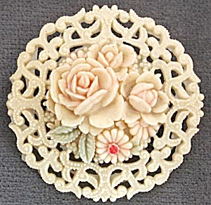 Vintage Occupied Japan Celluloid Round Flower Pin (Image1)