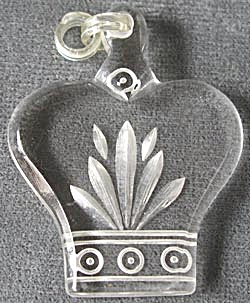 Vintage Acrylic Crown Medallion (Image1)