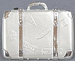 Vintage Metal Suitcase Brooch / Pin (Image1)