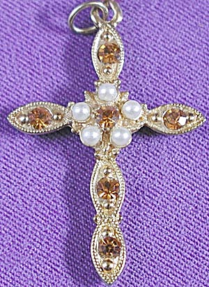 Crucifix Faux Pearl & Rhinestone Pendant (Image1)