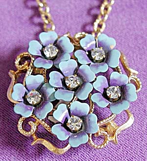 Avon Flower Pin and Pendant Combo (Image1)