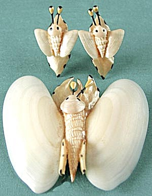 Vintage Seashell Butterfly Demi Parure (Image1)