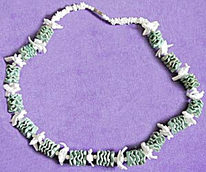 Vintage White & Aqua Shell Necklace (Image1)