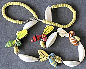 Vintage Wooden Bees and Shell Necklace (Image1)