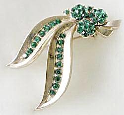 Vintage Trifari Green Rhinestone Leaf Pin (Image1)