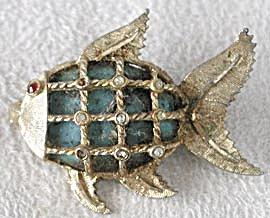 Vintage BSK Fish Pin (Image1)