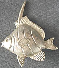 Mystique Fish Pin (Image1)