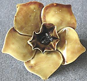 Vintage Sandor Olive Enamel Flower Brooch (Image1)