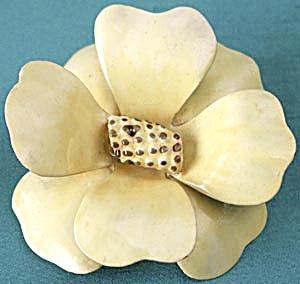 Vintage Sandor Yellow Enamel Flower Brooch (Image1)