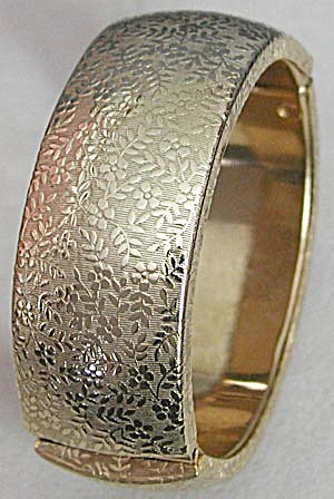 Goldtone Side Hinged Bracelet (Image1)