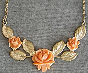 Vintage Faux Coral Rose Necklace (Image1)