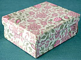 Vintage Small Pink Flower Gift Box