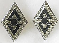 Diamond Shape Pierced Earrings (Image1)
