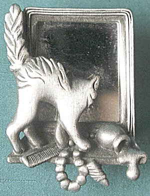 Vintage Pewter Cat Looking In Mirror Pin/Brooch (Image1)