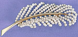 Vintage Faux Seed Pearl Feather Pin (Image1)