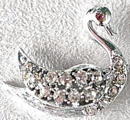 Vintage Rhinestone Swan Pin (Image1)